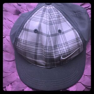 Brand new plaid golf hat 🏌️♀️